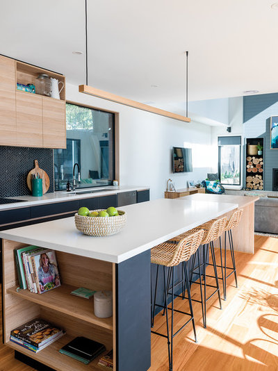 Beach Style Kitchen by Jdesign Group