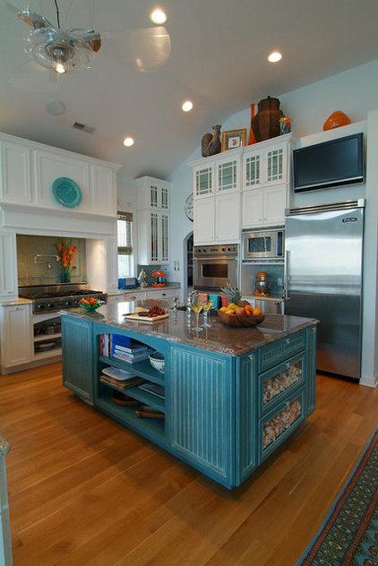 Tropical Kitchen Beachy kitchen
