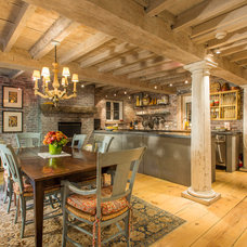 Rustic Kitchen by CL Waterfront Properties, LLC