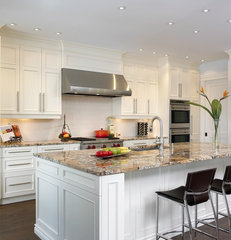 contemporary kitchen by Cuisines BeauRegard