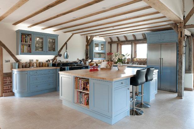 Farmhouse Kitchen by J M Interiors