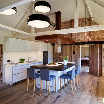 Beautiful Barn Conversion with bulthaup b1