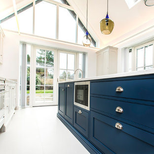BEAUTIFUL BLUE BESPOKE KITCHEN DESIGN IN BEAULIEU NEW FOREST