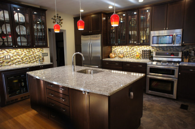 Eclectic Kitchen by O'Hanlon Kitchens, Inc.