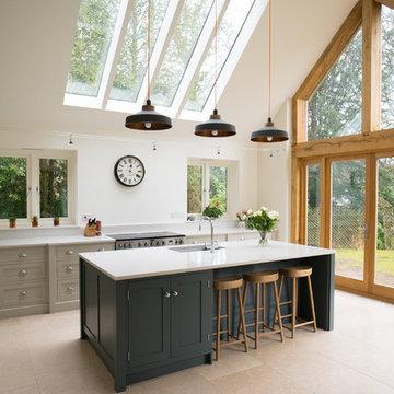 Beautiful, light and spacious Shaker kitchen in Farnham