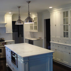 Traditional Kitchen by Cornerstone Kitchen Cabinets, Inc.