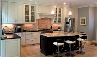 Beautiful Transitional Kitchen with Natural Light