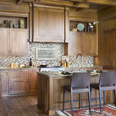 Traditional Kitchen by Exquisite Kitchen Design