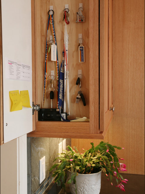 Key storage ideas pictures remodel and decor for Beaverton kitchen cabinets reviews