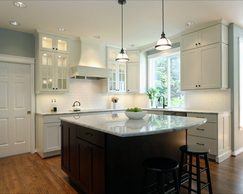 U shaped kitchen design ideas renovations photos with for Beaverton kitchen cabinets reviews