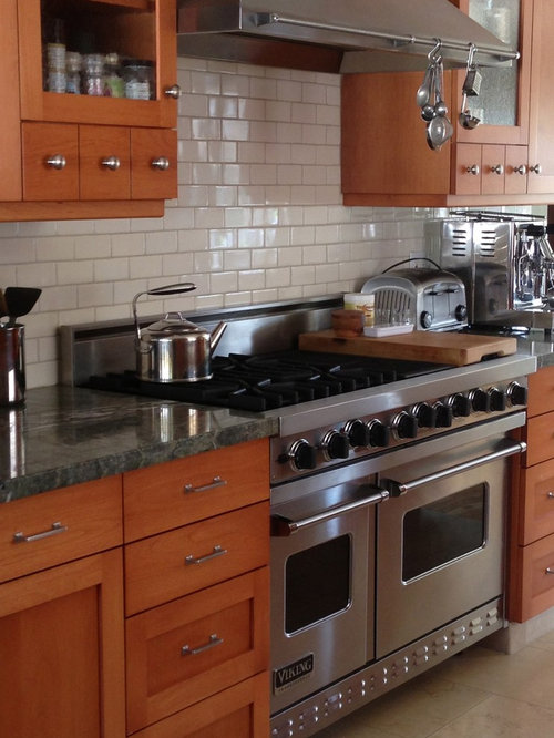 Mid Sized Arts And Crafts Kitchen Design Ideas