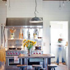 Farmhouse Kitchen by The Design Atelier, Inc.