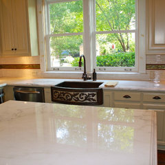 traditional kitchen by Gage's Granite LLC