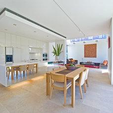 Modern Kitchen by Rudolfsson Alliker Associates Architects