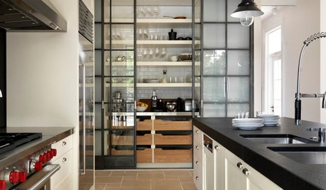 Walk-In vs Cabinet Pantries: What Will Work Best in Your Kitchen?