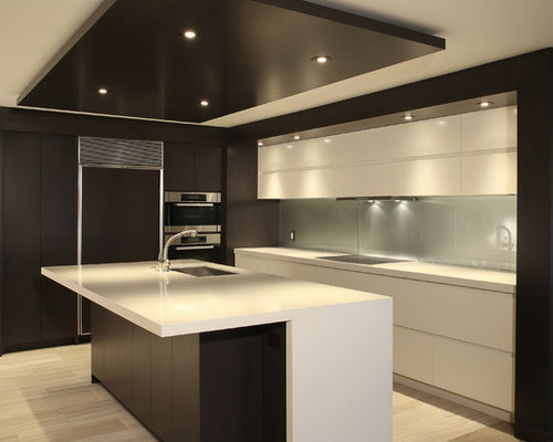 Small modern kitchen design ideas remodel pictures houzz for Small modern kitchen