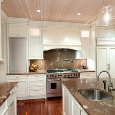 Traditional Kitchen Bellevue Waterfront