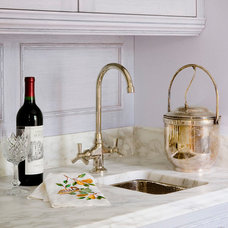 Traditional Kitchen by Vincent Greene Architects