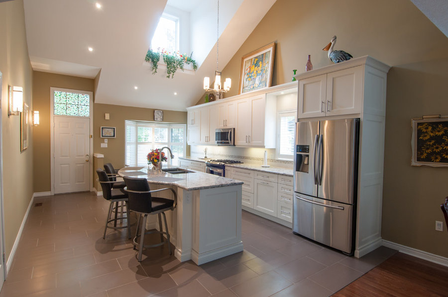 Bellview Transitional Kitchen