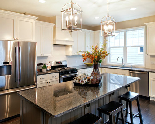 Model home kitchens houzz for House kitchen model