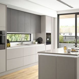 75 Most Popular Modern Kitchen With Black Appliances Design