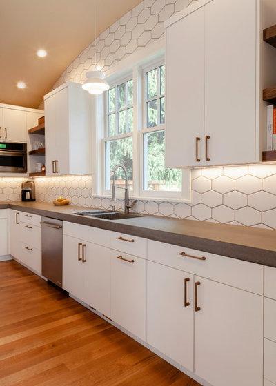 Scandinavian Kitchen by Karen Smuland Architect, LLC