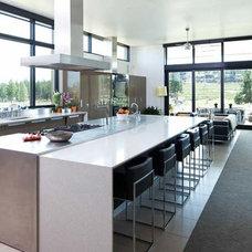 Modern Kitchen by Pedini Seattle