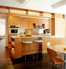 contemporary kitchen by Specht Harpman