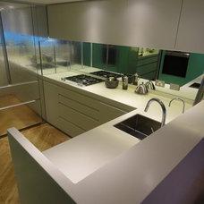 Contemporary Kitchen by Scott Weston Architecture Design PL