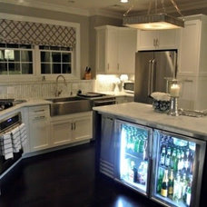 Contemporary Kitchen by AT HOME INTERIORS