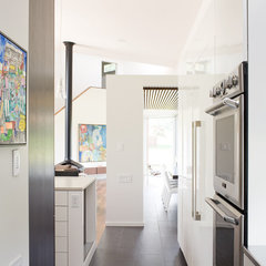 modern kitchen by Hufft Projects