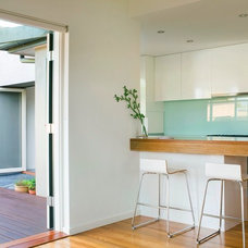 Contemporary Kitchen by Simon Couchman Architects