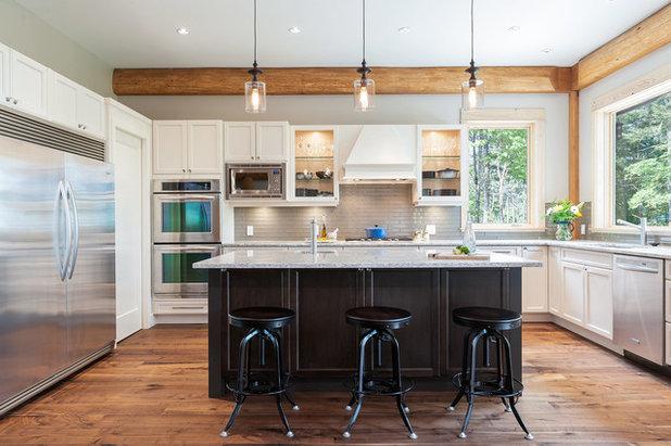 Transitional Kitchen by Streamline Design Ltd. - Kevin Simoes