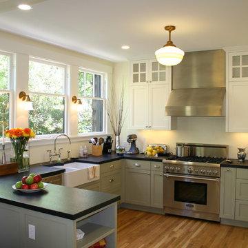 Berkeley Traditional Kitchen