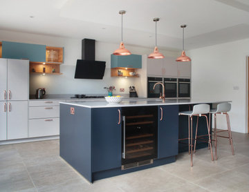 Berkhamsted Tri-Tone Kitchen