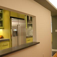 Modern Kitchen by Frank Valdes
