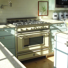 Traditional Kitchen by Bertazzoni
