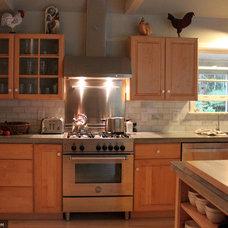 Traditional Kitchen Bertazzoni Range, Hood, and Backsplash