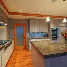 Contemporary Kitchen by Best Builders ltd