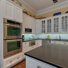 Modern Kitchen by Best Cabinets
