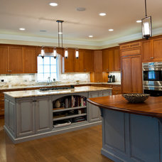Traditional Kitchen by Celebration Contracting