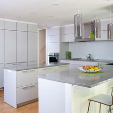 Contemporary Kitchen by Rill Architects