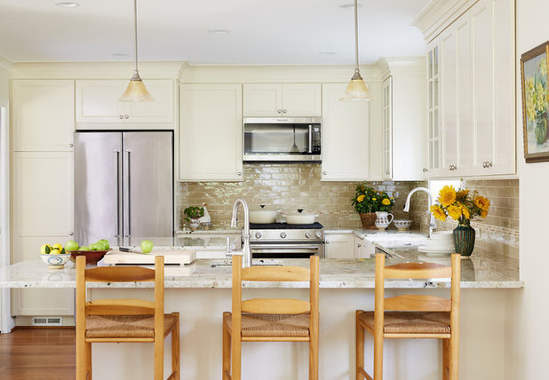 Traditional Kitchen by Melissa Cooley, UDCP / Case Design/Remodeling Inc.