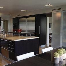 Modern Kitchen by Tesserae Interior Design