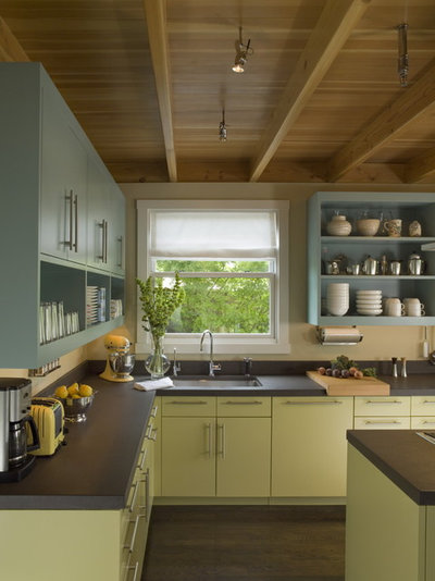 kitchens with painted cabinets8 Great Kitchen Cabinet Color Palettes