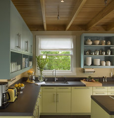 eclectic kitchen by Studio Sarah Willmer