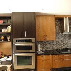 Contemporary Kitchen by Jhanvi Design