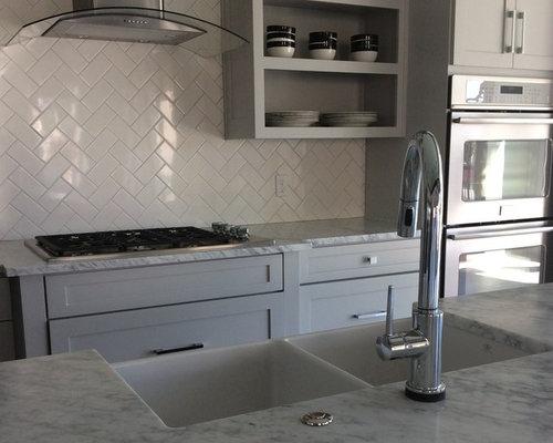 Modern Kitchen with Travertine Floors Design Ideas & Remodel Pictures | Houzz