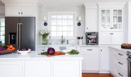 Kitchen of the Week: White, Wood and Wide Open