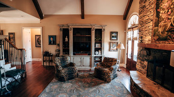Big Open Family Room with Built-ins and Fireplace
